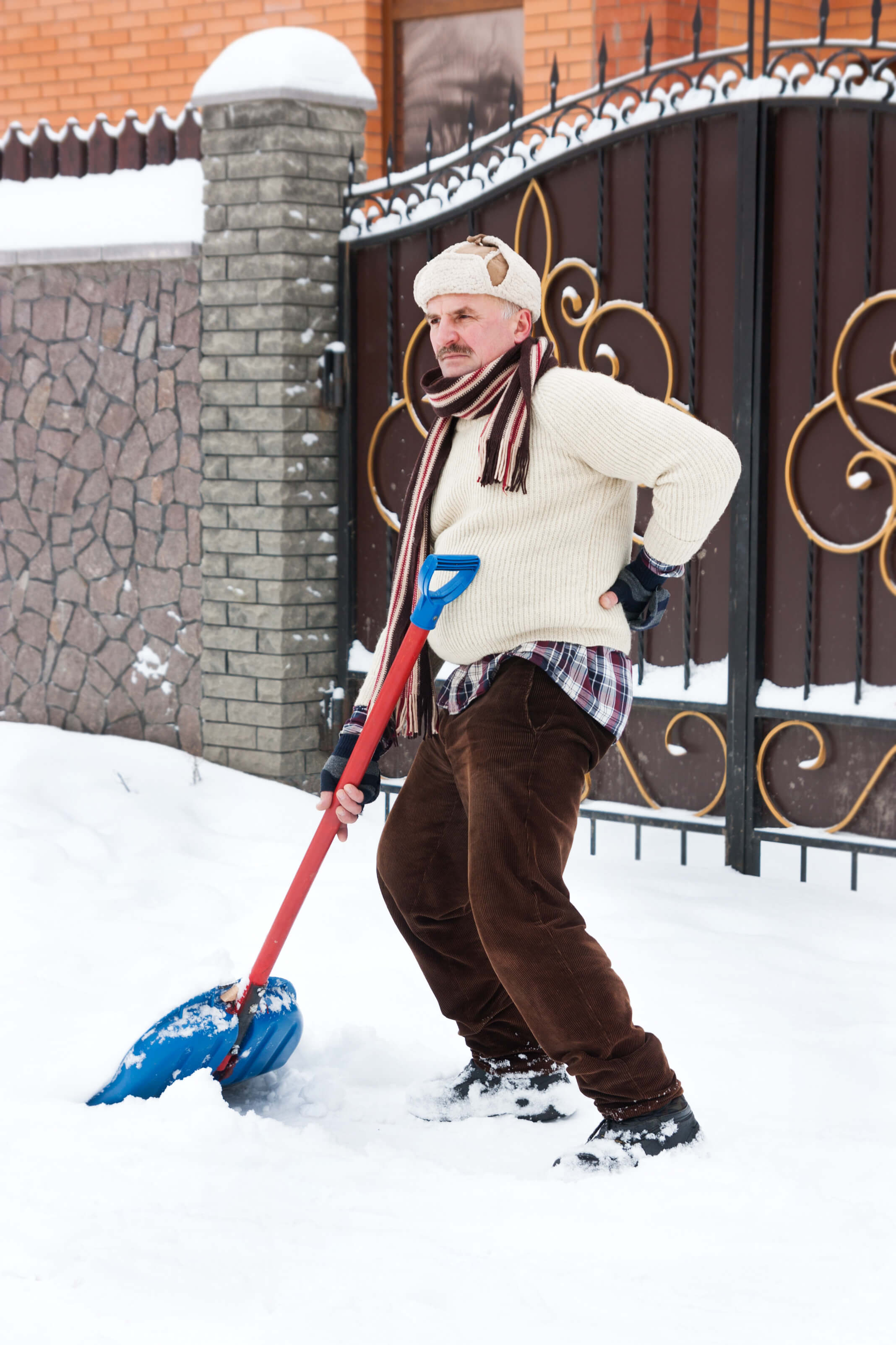 protect your back when shoveling snow
